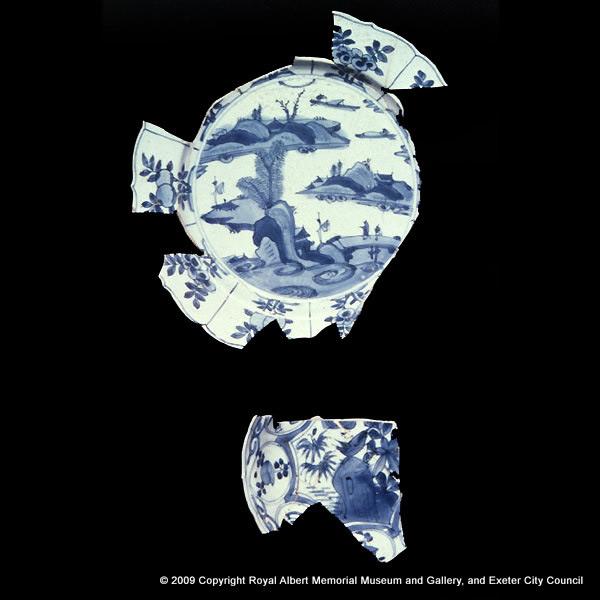 A Ming porcelain dish and saucer dish